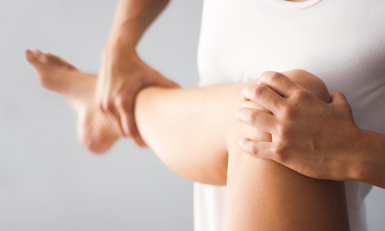 Pia Staab Osteopathie | Parietale osteopathische Untersuchung am Kniegelenk
